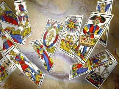 Curso-gratis-Tarot-Cartomancia